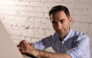 Александр Ломия: «В 2012 году я написал песню про конец света!»