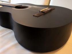 Выбор первой акустической гитары