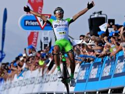 Тур Британии 2014: Эдоардо Зардини берет инициативу в свои руки, но Брэдли Уиггинс сбегает