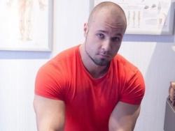 Врач-реабилитолог, преподователь массажа Михаил Логутов: Слушая руками