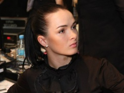 Визажист Алена Мыцак: «Не бойтесь экспериментировать в нанесении макияжа!»