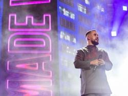"""Историческое событие в мире музыки: MONATIK показал шоу высочайшего уровня """"LOVE IT ритм"""" на НСК """"Олимпийский"""""""