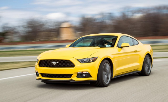 Ford Mustang 2.3L EcoBoost  2015