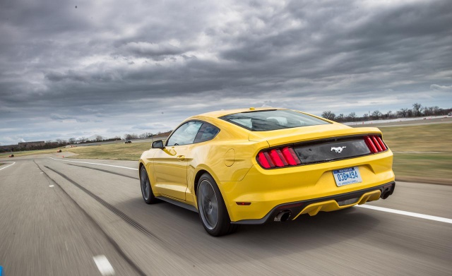 Ford Mustang 2.3L EcoBoost 2015 2